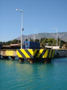 die Brücken an den Einfahrten werden auf 8 m unter den Wasserspiegel gesenkt